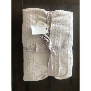 NWT Barefoot Dreams Knit Blanket